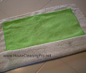 Dusting with Microfiber Cloths in Your Cleaning Business